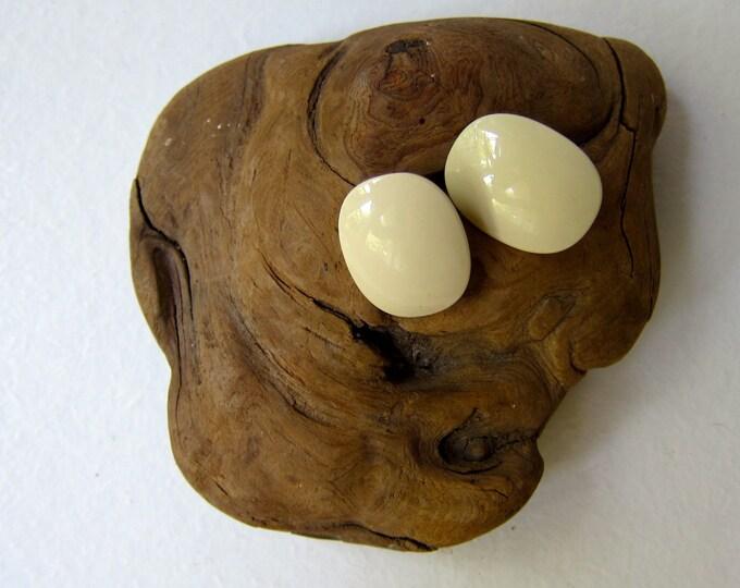 Cream Stud Earrings