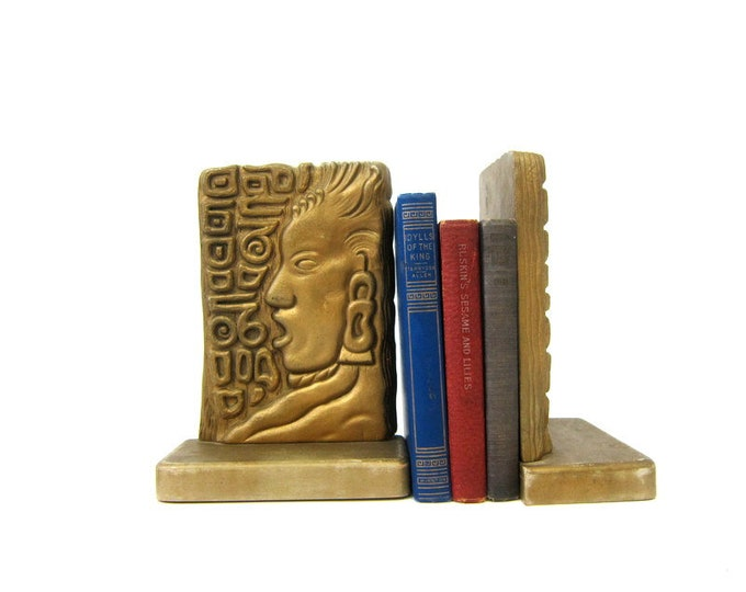 Pair of Syroco wood Bookends Mid Century MOD home decor Vintage Book Ends Display Retro Hipster
