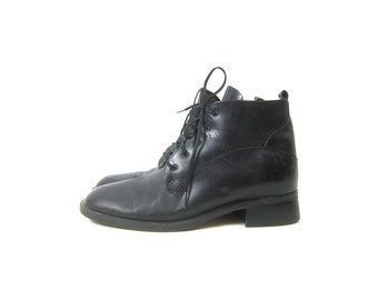 25dcef555fa1b Black Leather Ankle Boots Lace Up Shoes Leather Boots Hipster Tie Up Shoes  Vintage Women's Size 9 Narrow