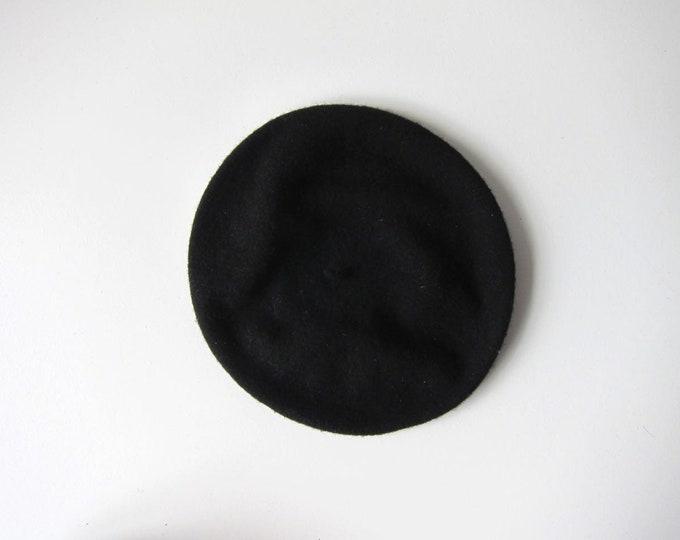 Black Wool Beret Modern Circle Wool Hat 80s 90s Vintage Parisian Wool Hat Minimal Wool Hat