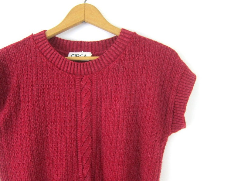 80s Raspberry Red Sweater Shirt Knit Cotton Top Preppy Sleeveless Sweater 1980s Knit Cropped Top Vest Women/'s Size Medium
