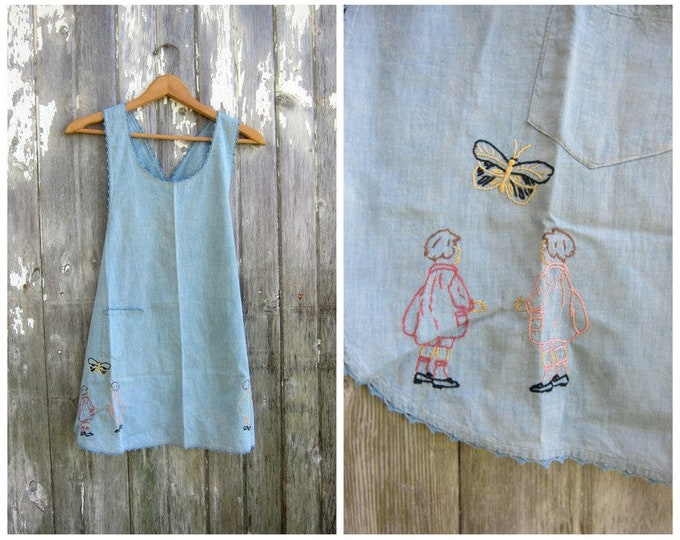 Vintage Apron Embroidery Butterfliess Shabby Chic Kitchen Cook Embroidered Butterfly fabric Open Criss Cross Back XS Small