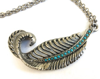 Vintage Feather Necklace~ Boho Pendant~ Southwestern costume jewelry