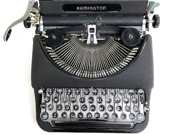 Vintage Remington typewriter~ Deluxe Model 5 typewriter with case~ Beautiful vintage condition