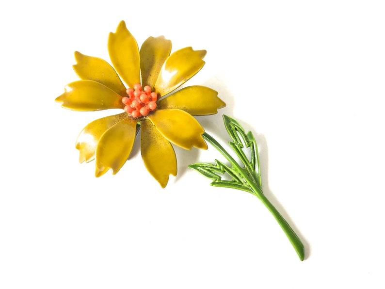 be5bb64284b Vintage Enamel Flower pin Floral Brooch Spring fling Sweet   Etsy