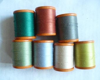 Belding Corticelli Vintage Orange Seven (7) Wooden Spools WITH THREAD, Orange Wooden, Great Condition,