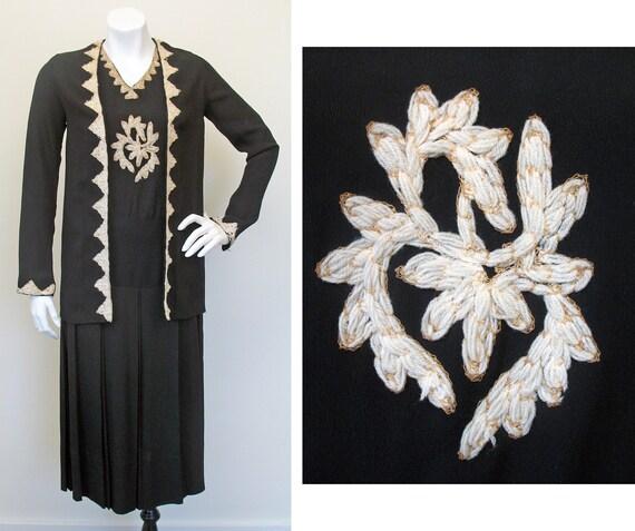 Vintage 1930s Yarn Embroidered Black Crepe Dress S