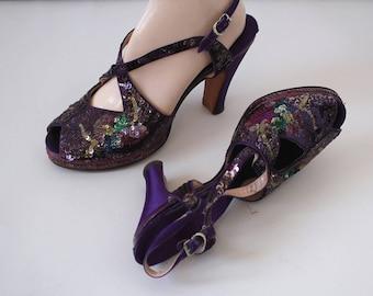 vintage 1940s platform heels / 40s purple sequin heels / 1940s peep toe deliso pumps / 40s pinup shoes / 40s bonwit teller 5th ave heels / 7