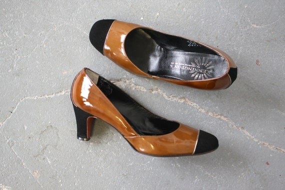 vintage 1960s heels / 60s two toned pumps / 60s pa