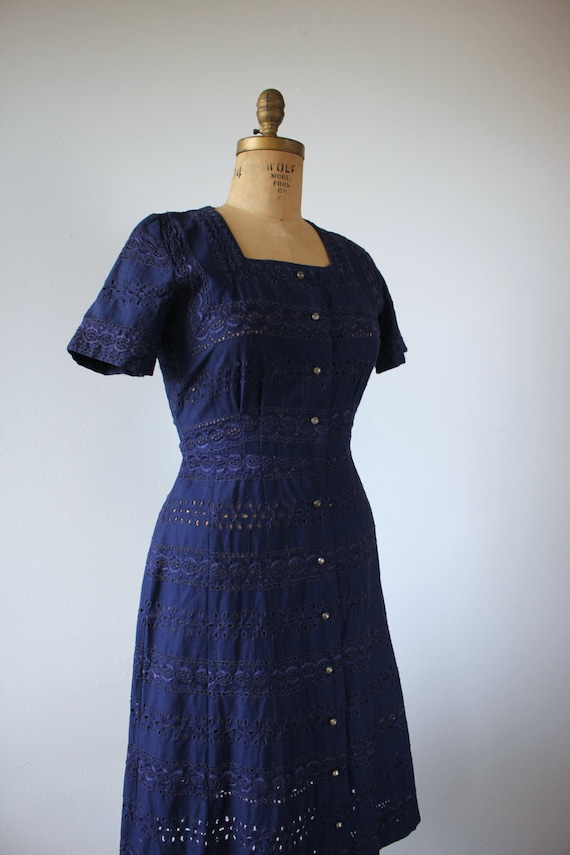 vintage 1940s dress / 40s navy blue eyelet dress … - image 3