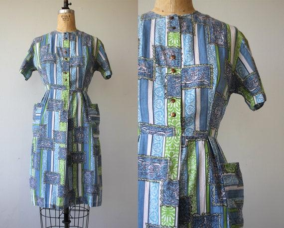 vintage 1960s dress / 60s novelty print dress / 60