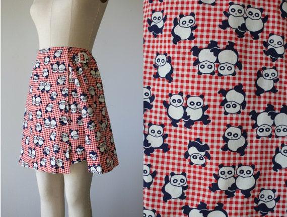 vintage 1960s skort / 60s red gingham panda skort