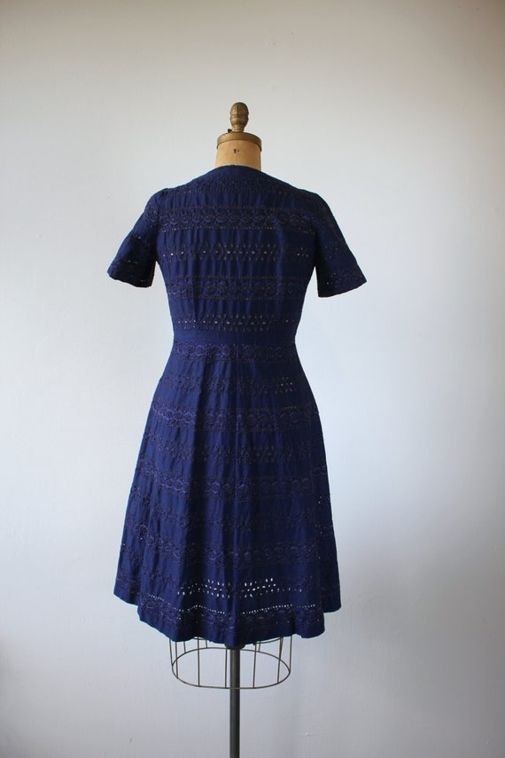 vintage 1940s dress / 40s navy blue eyelet dress … - image 4