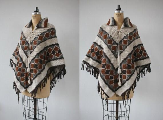 vintage 1970s poncho / 70s knit cape / 70s cream b