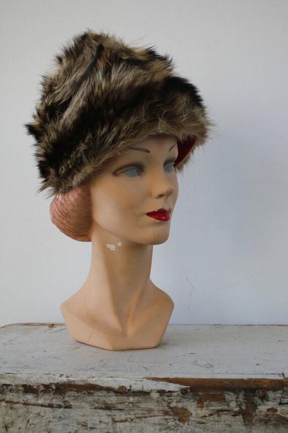 vintage 1960s hat / 60s fur cap / 60s fur hat / r… - image 2