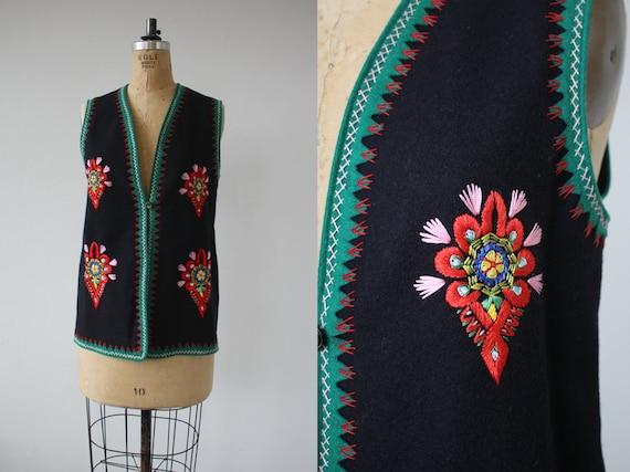 vintage 1960s vest / 60s embroidered vest / 60s bl