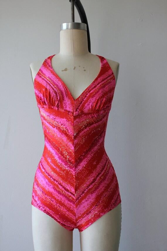 vintage pink 70s s swimwear chevron swimsuit 1970s piece 1970s bathing racerback suit stripe bathing swim 1970s hot one suit suit zprHzxq