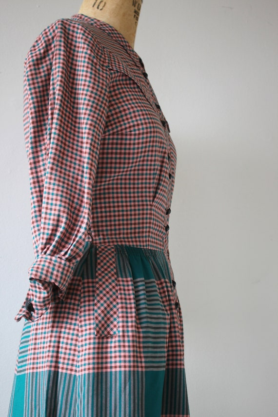 1940s vintage dress / 40s plaid cotton dress / 40… - image 9