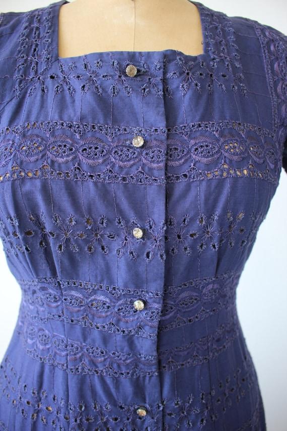 vintage 1940s dress / 40s navy blue eyelet dress … - image 5