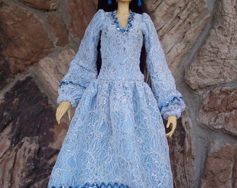 SALE! Fin/Models/Soom SD16 - 64 cm Tall BJD Girls - Icicles -A Dress in White and Silver over Blue