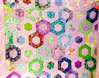 Floating Hexies Quilt Pattern