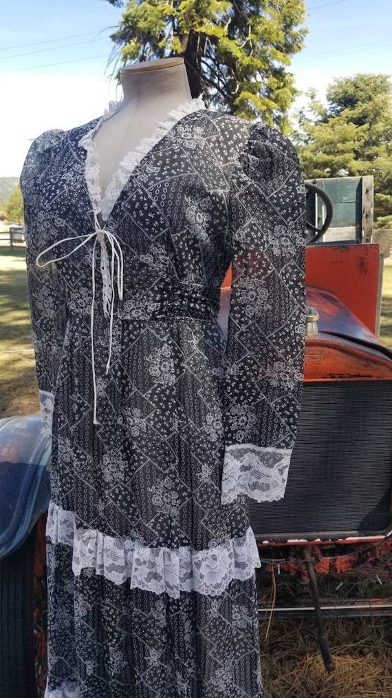 Black and white maxi dress gunne sax prairie styl… - image 8