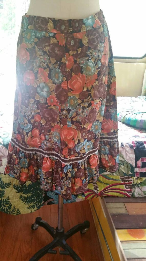 Floral 70s ruffle boho  cottage core skirt 1970s h