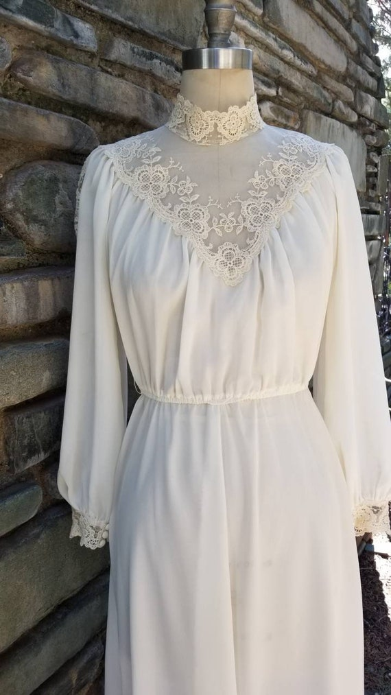 Late 70s early 80s victorian inspired gunne sax je