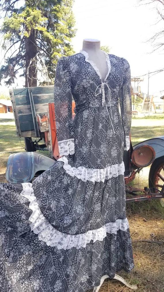 Black and white maxi dress gunne sax prairie styl… - image 2