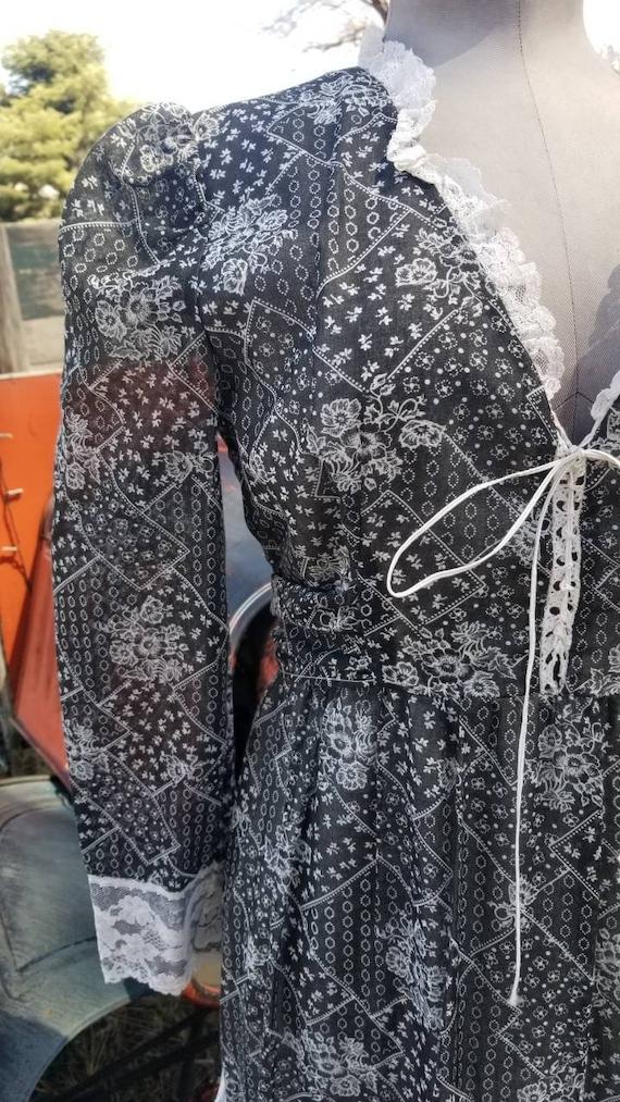 Black and white maxi dress gunne sax prairie styl… - image 3