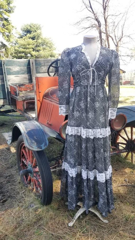 Black and white maxi dress gunne sax prairie styl… - image 1