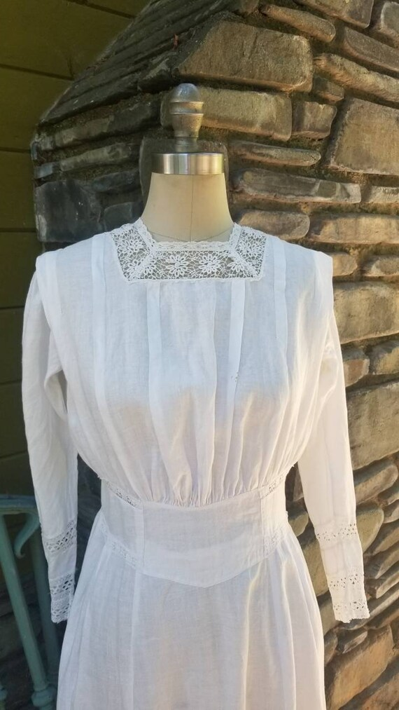 Edwardian cotton and lace dress 1900s victorian 19