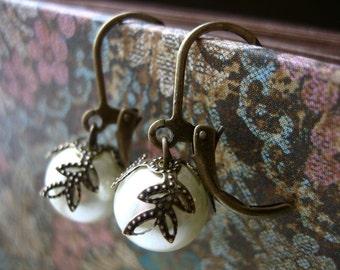 Pretty pearl earrings.