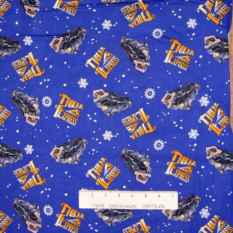 Stay Warm Snowman /& Snowflake Toss Black Christmas Fabric Springs YARD