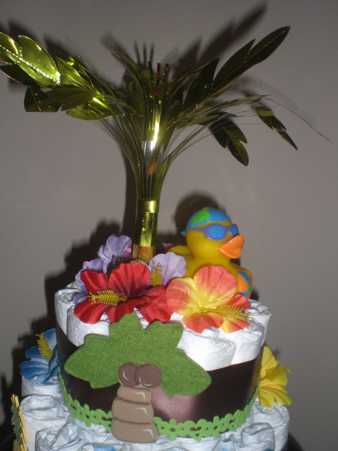 Hawaiian Diaper Cake | Diaper cake boy, Baby shower favors ...