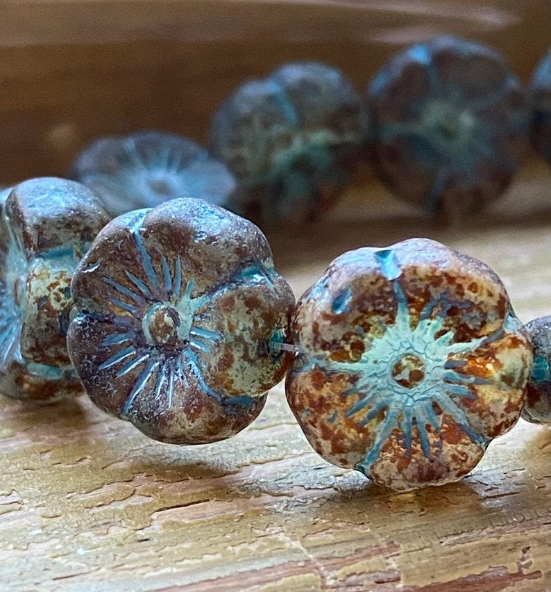 Glass flower beads Faceted flower beads Hawaiian flower beads Hibiscus flower beads Czech glass flower beads