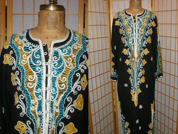 Vtg 60s floral embroidered kaftan / robe womens si