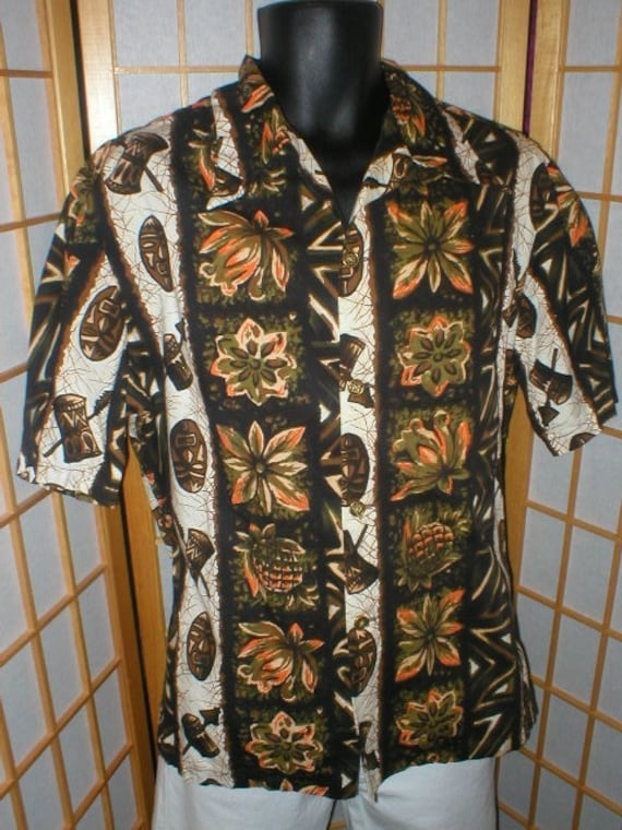 Vtg 50s / 60s  cotton tiki print Hawaiian shirt me