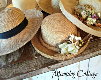 Fabuleuse CoLLeCTioN de cinq chapeaux de paille ViNTaGe!