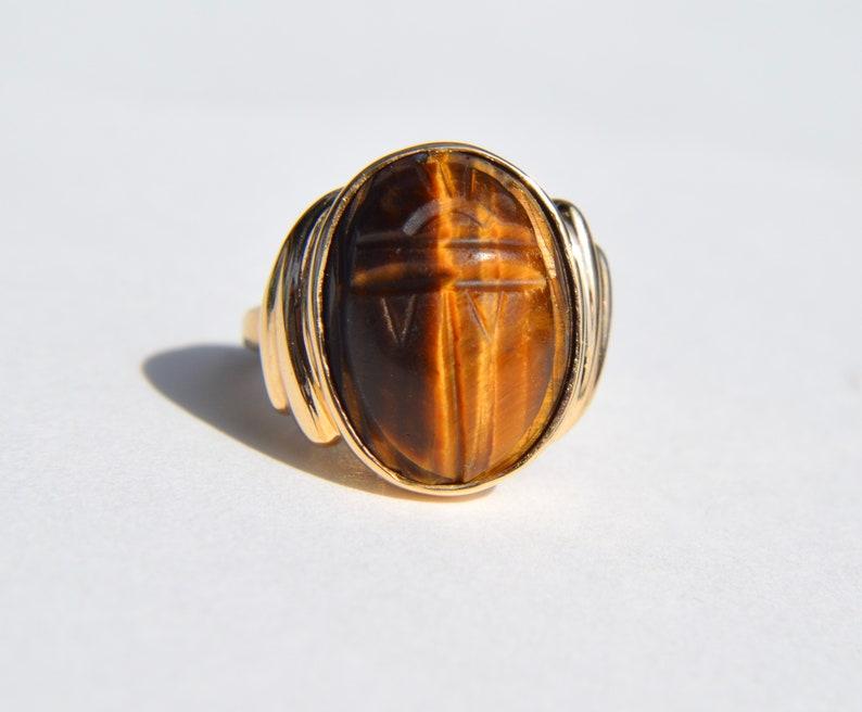 7eb5b8e517372 Vintage 10 Karat Gold 8.5 Carat Tiger's Eye Scarab Beetle Cocktail Ring
