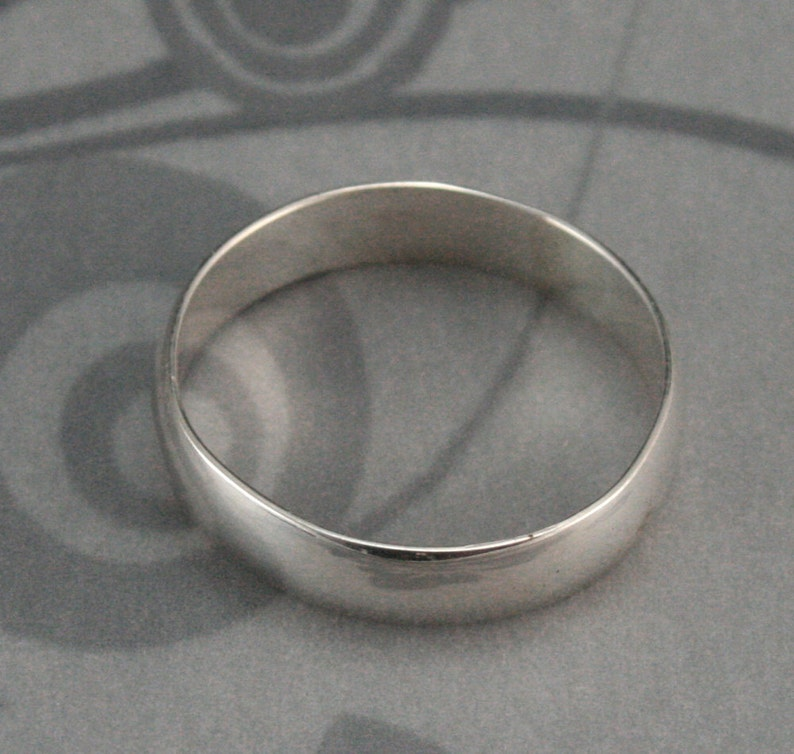 Personalized Ring~Sterling Silver Band~Engraved Ring~Women/'s Wedding Ring~Name Ring~Date Ring~Men/'s Wedding Band~4mm Wide Band~Plain Jane