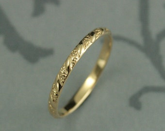 Thin Yellow Gold Band Versailles Pattern Band Women's Yellow Gold Wedding Ring Vintage Style Wedding Band Petite Solid Gold Band Blazer Arts