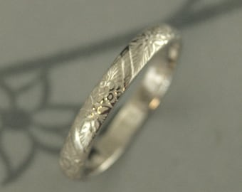Gold Floral Ring White Gold Wedding Band Women's Wedding Ring Flower Ring Embossed Gold Ring Pattern Band Vintage Ring Antique Band
