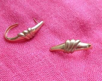 Fabulous 14K Gold Vintage Earrings - Classic Design