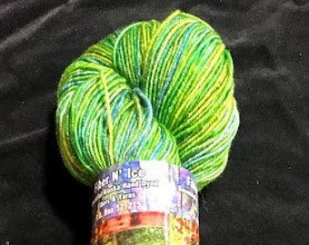 Northern Lights Sparkle Collection Lurex Superwash doigté 400 yrds