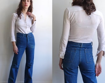 905c9528f35 vintage 70s Straight Leg Patchwork Pocket Jeans  1970s High Waisted Novelty  Denim  Rappers  Size XS