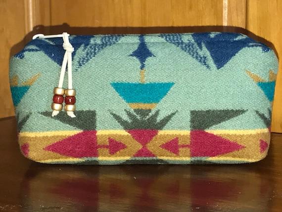 Cosmetic Bag / Makeup Bag / Zippered Peuch Medium Sage Echo Peaks