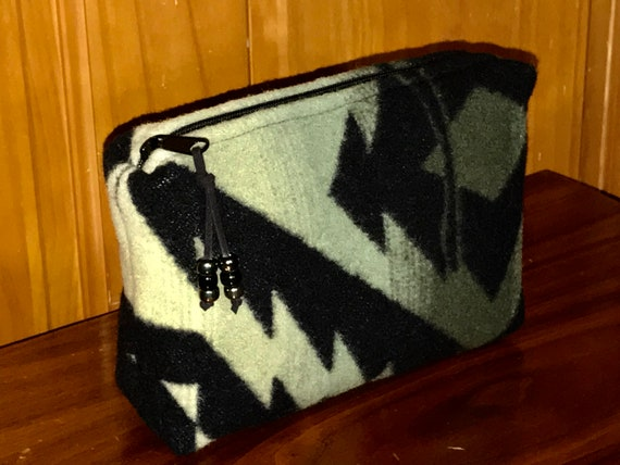 Cosmetic Bag / Makeup Bag / Zippered Pouch XL Green & Black