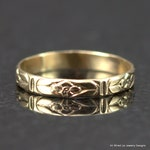 14k Gold Flower Pattern Band - Slender Floral Wedding Ring - Thin Gold Stack Ring