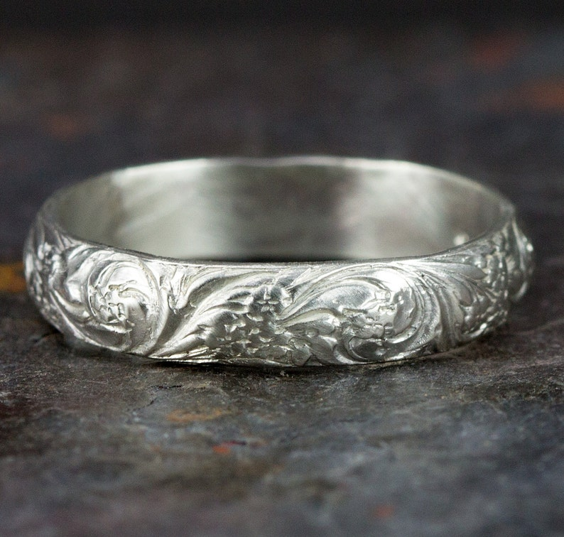 Sterling Flower Wedding Band  4mm Vintage Floral Band Ring  image 0